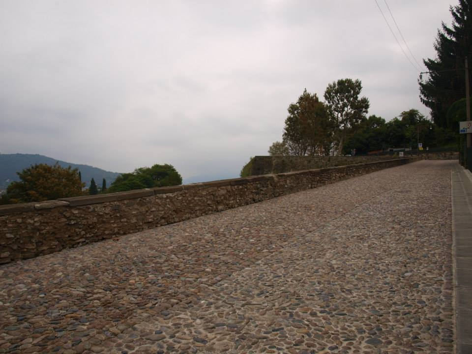 Pavimentazioni in pietra per ambienti pubblici archivi for Appia infissi srl
