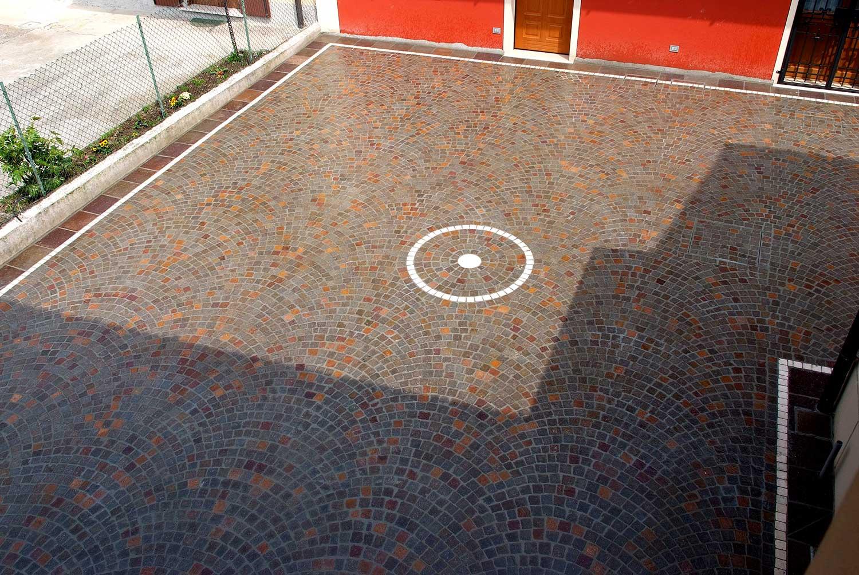 Cubetti porfido pavimenti per esterni in pietra naturale for Appia infissi srl