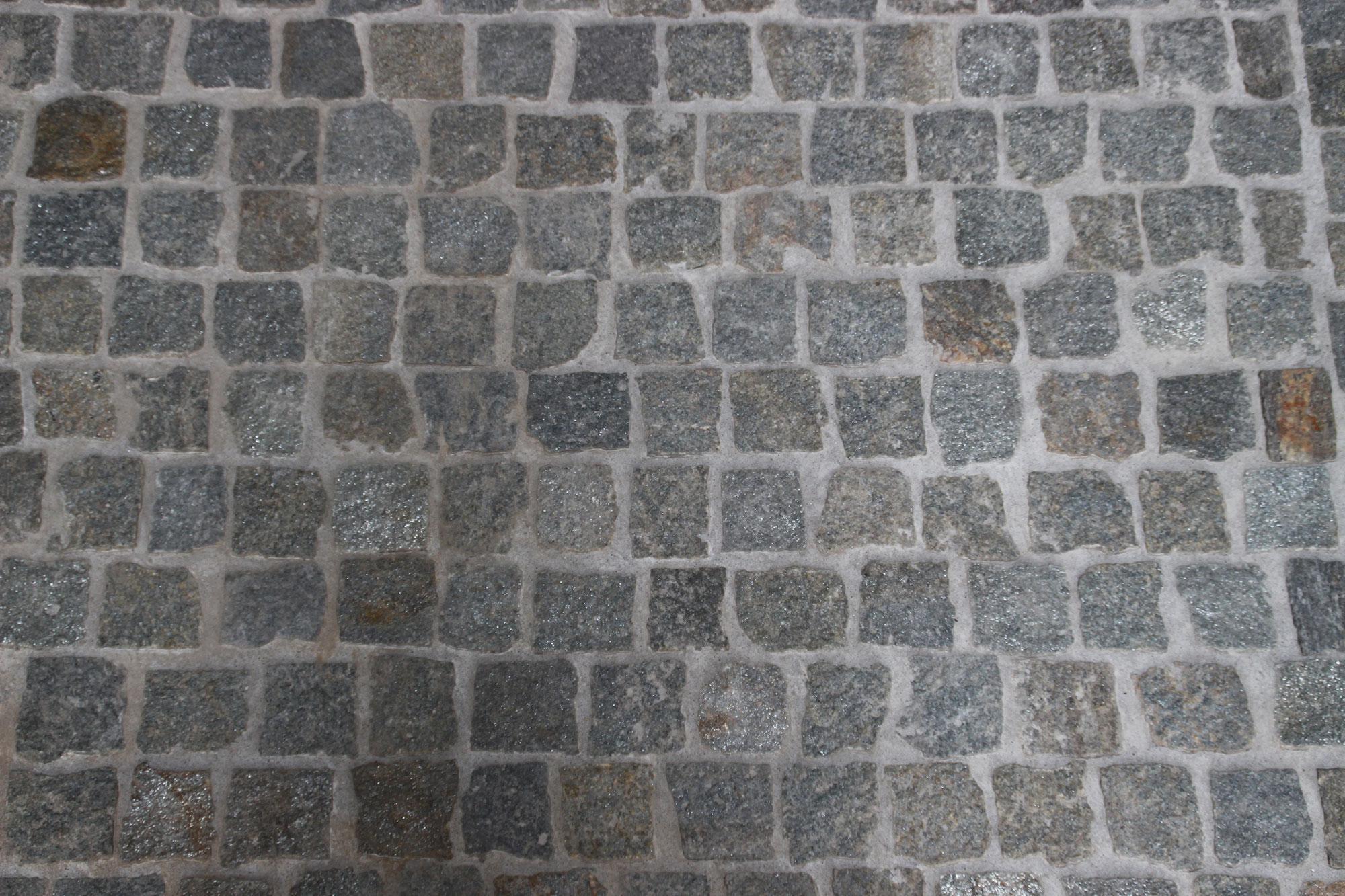 Pavimento In Pietra Di Luserna : Cubetti pietra di luserna pavimenti per esterni in pietra naturale