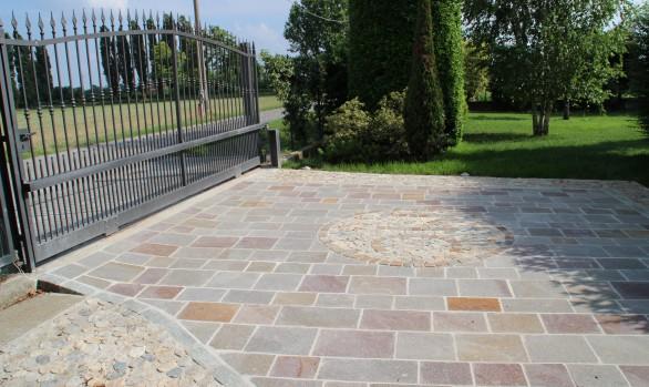Cascinale in giallo imperiale pavimenti per esterni in - Pavimentazione esterna casa di campagna ...