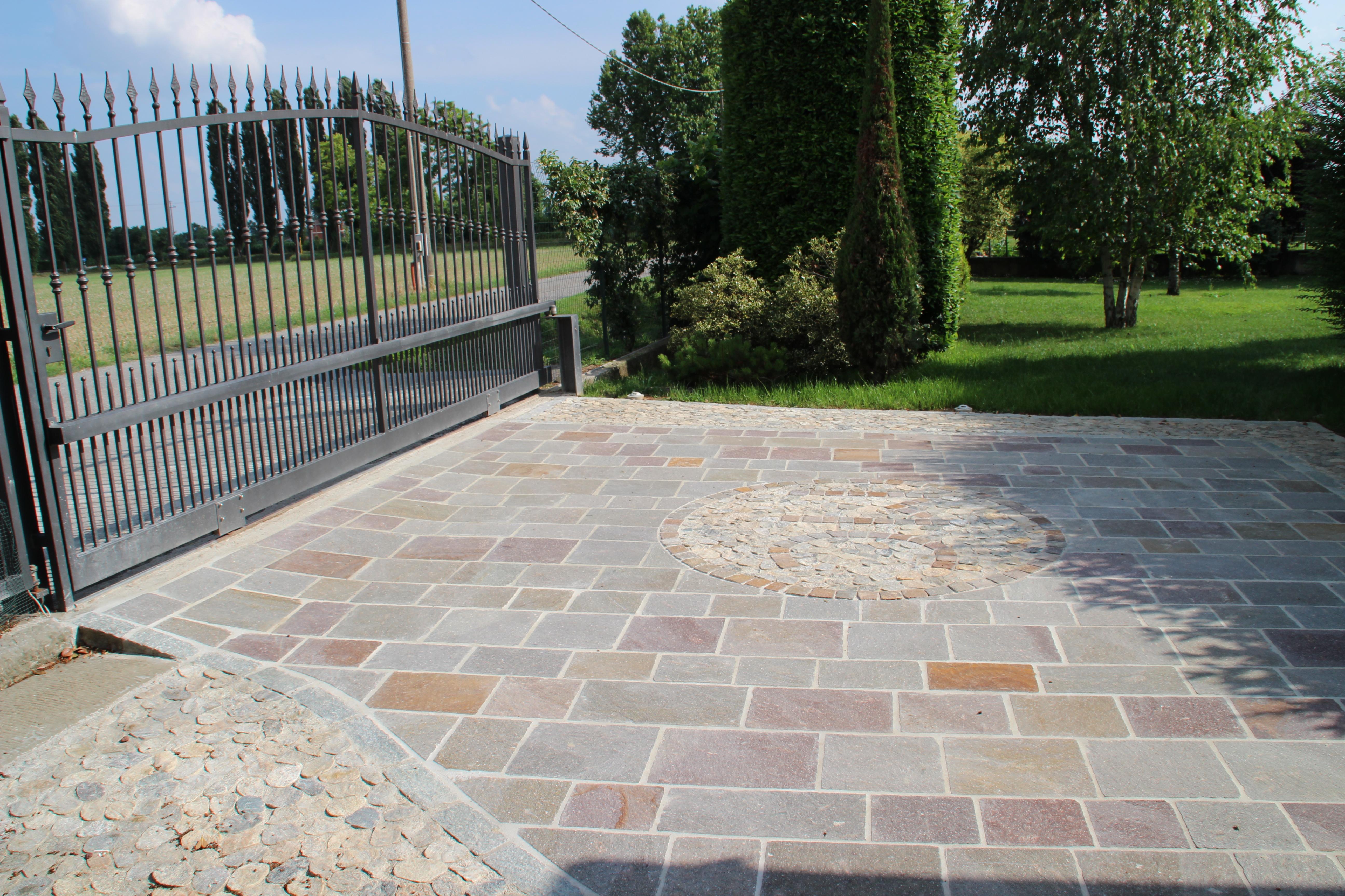 Pavimenti in finta pietra per interni - Pavimento da esterno carrabile ...