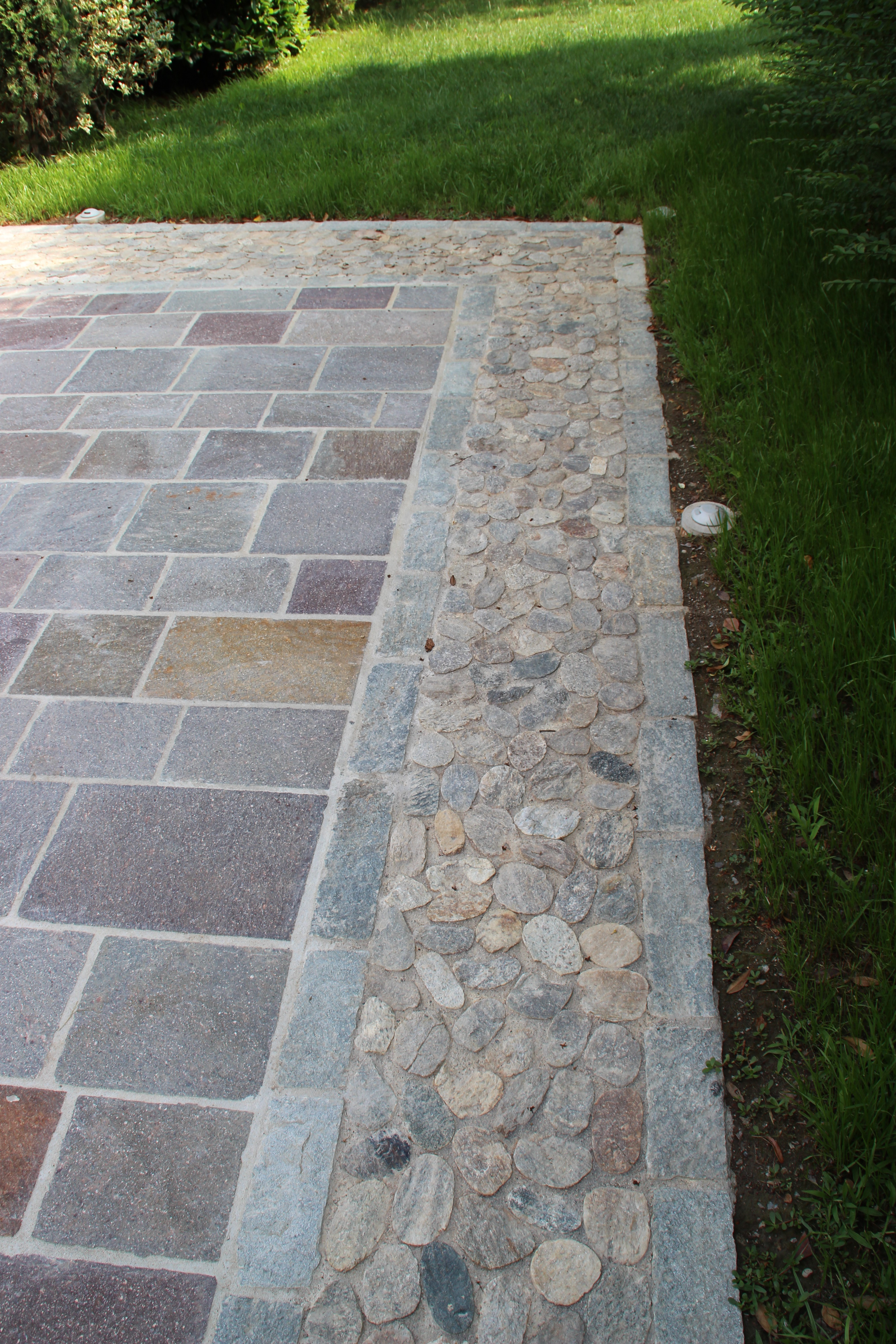 Porfido Misure Miste a Correre e Ciottoli Tranciati - Pavimenti per esterni in pietra naturale ...